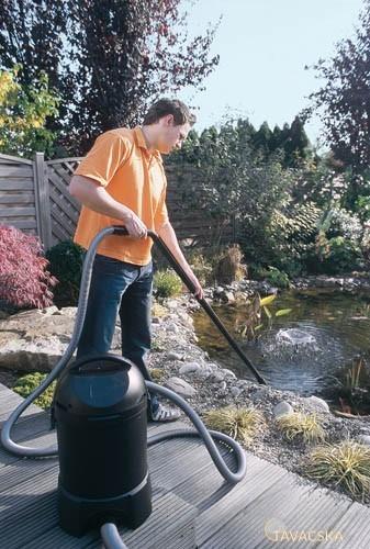 Tóporszívóval a kerti tó tisztaságáért